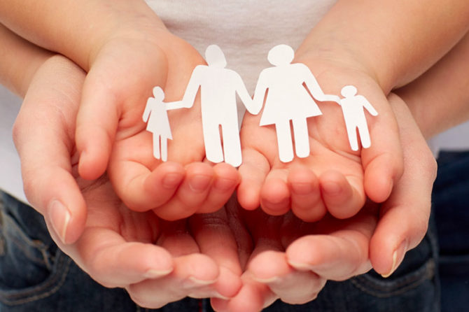Stepchild adoption: aspetti giuridici e morali nell'adozione da parte di genitori dello stesso sesso